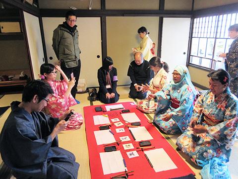 世界遺産・宮島で留学生を招き国際交流<br>広島西ロータリークラブ(第2710地区 広島県)