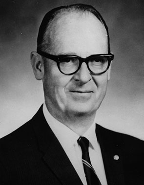 William E.Walk,Jr.
